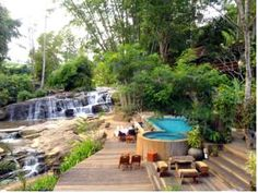 Sukantara Cascade Resort and Spa Mae Rim Sukantara Cascade Resort and Spa is located 1 km from Tard Mok Waterfall. It offers air-conditioned cottages with balcony and free Wi-Fi. The resort features a spa, pool and tour desk. Holiday Apartments, Outdoor Furniture Sets, Outdoor Decor, Chiang Mai, Home And Away, Jacuzzi, Resort Spa, Waterfall, Villa