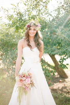 Birdal Gown | Boho Wedding | Floral Headpiece | Forever Bride | Wedding Planning Made Easy | Minneapolis