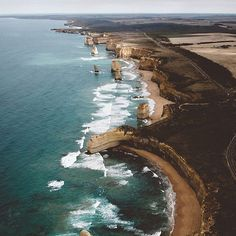 Friday thoughts  #office #greatoceanroad #12Apostles #melbourne #australia / credits: @australia by perlajulia http://ift.tt/1ijk11S
