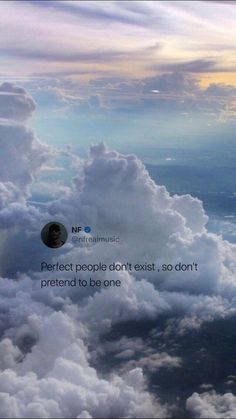 Quote Perfect people don't exist - Unique Wallpaper Quotes Ispirational Quotes, Tumblr Quotes, Tweet Quotes, Mood Quotes, Cute Quotes, Qoutes, Twitter Quotes, Instagram Quotes, Twitter Twitter