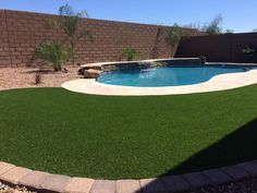 Love that turf from @CelebrityGreens.   Nice job @KarinTierney for a great @PresPools design