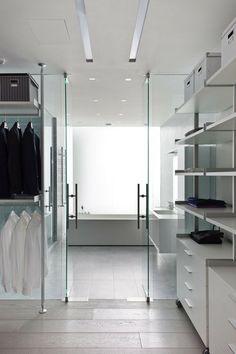 Spectacular closet
