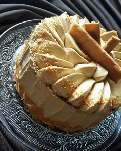 Gâteau sans cuisson aux speculoos Greek Desserts, No Cook Desserts, No Cook Meals, Delicious Desserts, Yummy Food, Dessert Sans Four, Pie Cake, Diy Food, I Love Food