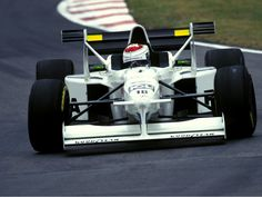 Tyrrell introduced the 'X-Wing' for high downforce circuits in 1997