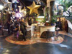 Conheça as cores da curiosa vila Hundertwasserhaus, em Viena - Dicas de viagem