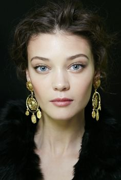 Great hair, makeup and jewels at Dolce & Gabbana S/S'14