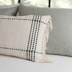 Designed by Joanna Gaines in partnership with Loloi, our Black Clarke Fringe Pillow features a simple woven design and soft fringe finish. Diy Pillows, Decorative Pillows, Decorative Accents, Black And White Pillows, Black Throw Pillows, Do It Yourself Decoration, Metal Clock, Boho Diy, Bohemian Pillows
