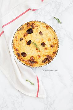 Nina's Kitchen: Quiche de cebolla, camembert y tomates secos.