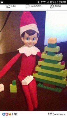 Newest Photographs Elf on a Shelf - Antic: Made Christmas trees out of the Legos! Thoughts Elf on a Shelf – Antic: Made Christmas trees out of the Legos! Lego Tree, Elf Auf Dem Regal, Awesome Elf On The Shelf Ideas, Shelf Inspiration, Elf Magic, Elf On The Self, How To Make Christmas Tree, Xmas Tree, Naughty Elf
