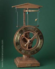 Reloj siglo XV. Modelo de sobremesa de escape centrífugo.
