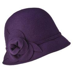 I love the 1920s style especially the cloche hats.