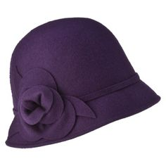 I love the 1920s style especially the cloche hats.
