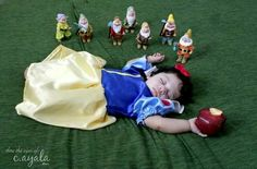 Snow White inspired baby picture. Definitely doing this