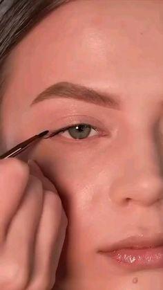 Soft Eye Makeup, Eyebrow Makeup Tips, Makeup Tutorial Eyeliner, Makeup Looks Tutorial, Edgy Makeup, Glamour Makeup, Eye Makeup Steps, Makeup Eye Looks, Beauty Makeup Tips