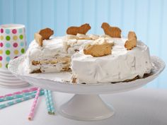 Recipe of the Day: 3-Ingredient Banana Icebox Cake  It's easier than you'd think to swing a cake with only three ingredients. Stack freshly whipped cream, banana slices and animal crackers together in a cake pan layer by layer, let it sit overnight and you've got a no-bake cake ready to go in just 1, 2, 3!