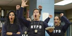 'Brooklyn Nine-Nine' wurde von NBC mit Shorter Season 6 gerettet - Prominentenet Brooklyn Nine Nine, Brooklyn 9 9, New York Times, Ny Times, Reaction Pictures, Best Funny Pictures, Netflix Movies, Movie Tv, Saturday Night Live