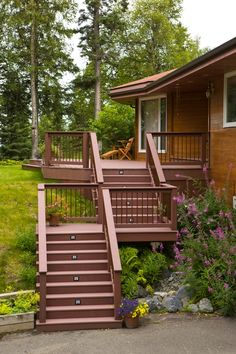 Trex_Deck_and_Staircase_with_Trex.83160929_large.jpg 533×800 pixels