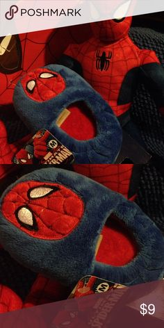Marvel Spider-Man slippers M 7/8 Blue fuzzy slippers with spider  man toddler boys 7/8 collectors choice Marvel Shoes Slippers