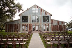 Vista West Ranch is a rustic, bohemian, chic barn wedding venue. Romantic and memorable event location nestled deep in the Texas Hill Country just outside of Dripping Springs. Rustic Wedding Venues, Best Wedding Venues, Wedding Locations, Wedding Ideas, Wedding Decor, Wedding Stuff, Destination Wedding, Wedding Inspiration