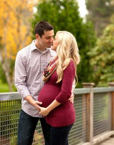 Maternity Photo Session at Wright Park | Busy Thoughts