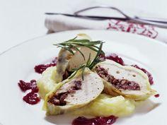 Krautroulade mit Blutwurst gefüllt ist ein Rezept mit frischen Zutaten aus der Kategorie Fleisch. Probieren Sie dieses und weitere Rezepte von EAT SMARTER!