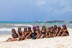 Friends. Cancun photographer. Riviera Maya. Playa del Carmen. Photo Sessions.