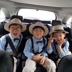 아빠랑 오랜만에 나들이~^^ Song Il Gook, Song Triplets, The Triplets, Triplet Babies, Superman Kids, I Miss You Guys, Man Se, Aesthetic Songs, Asian Kids