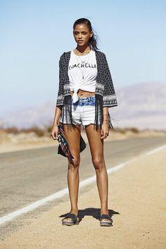 H&M показали лукбук коллекции, посвященной Coachella. Изображение №1.