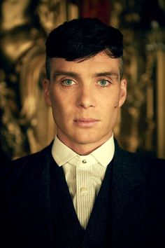 "Cillian Murphy as Thomas ""Tommy"" Shelby in the the Netflix hit show Peaky Blinders. Peaky Blinders Tommy Shelby, Peaky Blinders Thomas, Cillian Murphy Peaky Blinders, Costume Peaky Blinders, Thomas Shelby Haircut, Costumes En Tweed, Peaky Blinders Characters, Estilo Gangster, Peaky Blinders Wallpaper"
