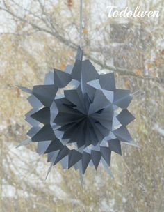 Hello my dear friends,    today I am sharing a tutorial on how to make snowflakes from sandwich/ paper bags.   The actual idea is not mine a...