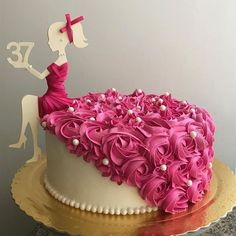 love you cake angel Cake Decorating Frosting, Cake Decorating Designs, Creative Cake Decorating, Cake Decorating Videos, Birthday Cake Decorating, Girly Birthday Cakes, Doll Birthday Cake, Beautiful Birthday Cakes, Doll Cake Designs