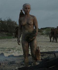 Game of thrones actor emilia clarke reveals she was pressurised to do nude scenes