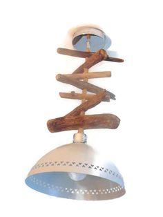Création personnelle, originale et unique d'un trés joli lustre en bois flotté et son abat-jour en métal repeint de couleur satinée  gris perle.  abat jour ajouré motifs coeu - 19454766