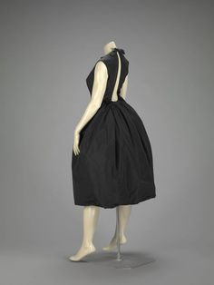 Cocktail Dress    Hubert de Givenchy, 1958    The Indianapolis Museum of Art