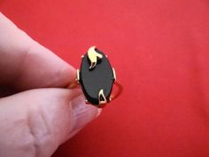 Gorgeous Vintage size 8 AVON signed gold ring with black by jeanmc, $15.00