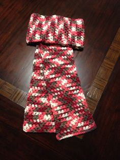 Argyle scarf, color pooling.