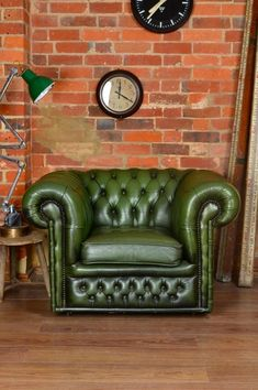 Chesterfield Club Chair — Artifact Lighting There is something lush about green leather and the right lighting.