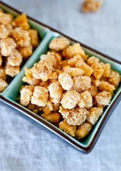 Like warm buttery toast crumbs and cereal. Captain Crunch is my fave! <3