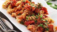 Opskrift på pasta med tomat-baconsauce