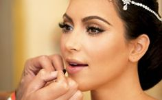 Is The Makeup Artist for My Wedding Ripping Me Off? (advice for brides)