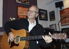 """MINNEAPOLIS (AP) — Pop idol Bobby Vee, the boyish, grinning 1960s singer whose career was born when he took a Midwestern stage as a teenager to fill in after the 1959 plane crash that killed rock 'n' roll stars Buddy Holly, Ritchie Valens and J.P. """"The Big Bopper"""" Richardson, has died"""