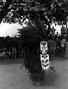 African Masks, African Art, Arte Tribal, Art Museum, Life, Plank, Leaves, Museum Of Art, Planks