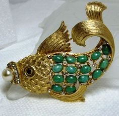 Vintage Gold Tone Rhinestone Angel Fish Brooch ~Green Cab Scales Maybe Ciner | eBay