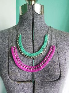 This Crocheted on Wire Necklace Tutorial is the perfect beginner crochet pattern for jewelry. Add a pop of color to some chain with this crochet jewelry project!