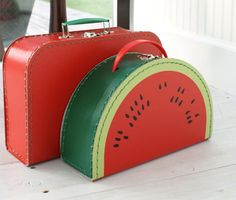 red vintage style suitcases-if I would have seen this watermelon suitcase back…