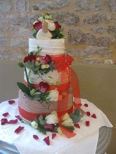 butter cream finish wedding cake