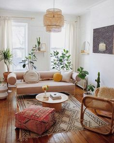- A mix of mid-century modern, bohemian, and industrial interior style. Home and apartment decor, de Bed In Living Room, Boho Living Room, Interior Design Living Room, Living Room Decor, Design Bedroom, Interior Livingroom, Bedroom Decor, Dark Wood Living Room, Bohemian Interior Design