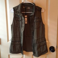 Max Jeans Lt Olive colored vest Sz xs NWT debating on keeping Max Jeans Jackets & Coats Vests