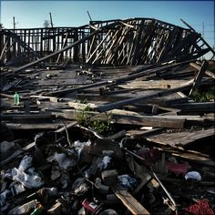 'Fall', Ninth Ward, New Orleans USA 2006 © Incognita Nom de Plume
