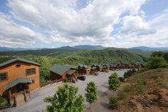 Nice shot of Mt. LeConte from Gatlinburg Falls Resort Smoky Mountain Cabin Rentals, Smoky Mountains Cabins, Great Smoky Mountains, Tennessee, Trips, National Parks, Vacation, Nice, Fall
